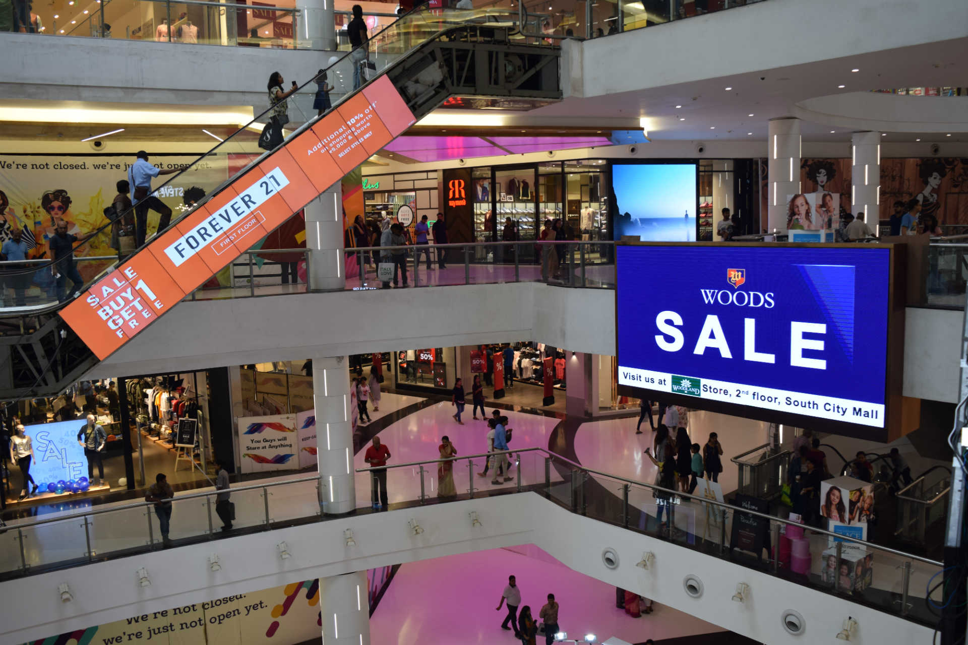 Shopping Center LED Signs | LED Billboard | LED Craft